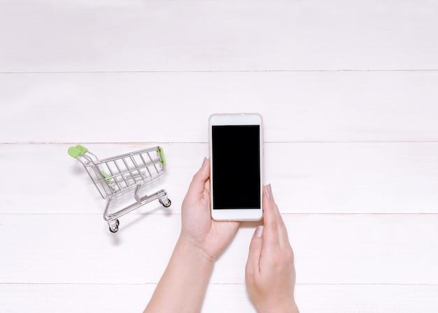Zakupy online przez telefon, internet