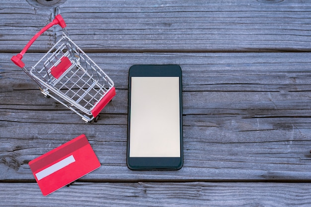 Zakupy online wzrosły z powodu zamknięcia