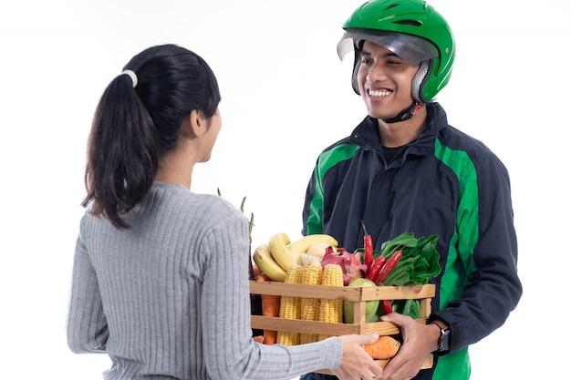 Zakupy online zakupy spożywcze na białym tle