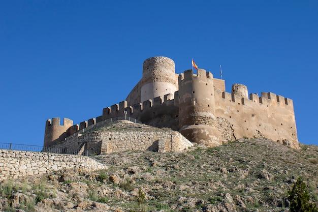 Zamek biar na wzgórzu