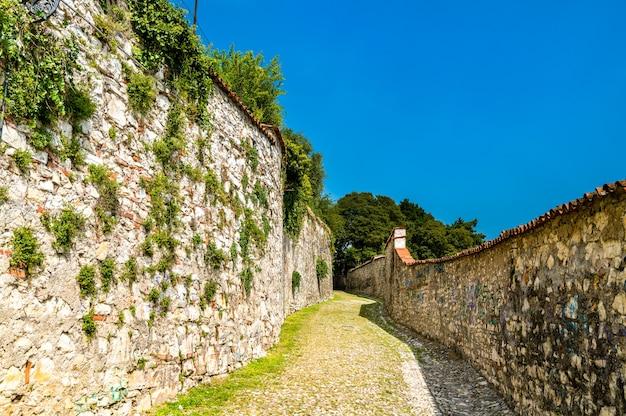Zamek brescia w lombardii we włoszech