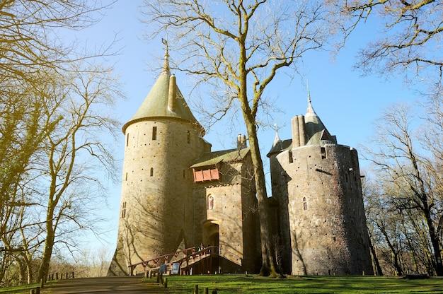Zamek coch w tongwylais miasto w cardiff, walia, wielka brytania