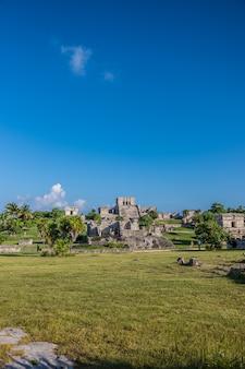 Zamek króla w tulum ruiny meksyku