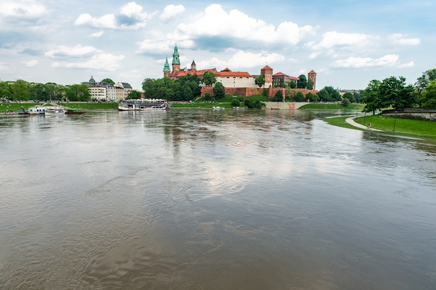 Zamek królewski na wawelu w krakowie, polska, europa
