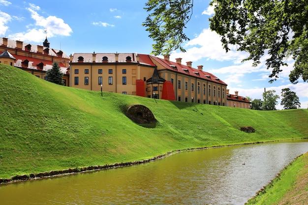 Zamek mir, białoruś. kompleks zamkowy mir.