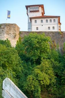 Zamek na wzgórzu