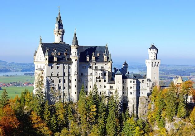 Zamek neuschwanstein w niemczech.