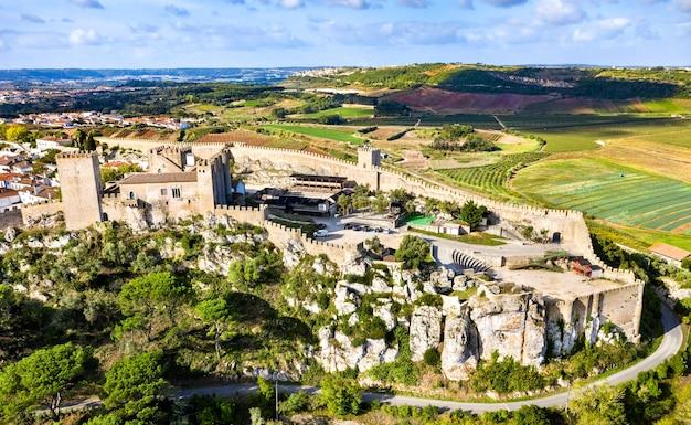 Zamek obidos, średniowieczne ufortyfikowane miasto w regionie oeste w portugalii