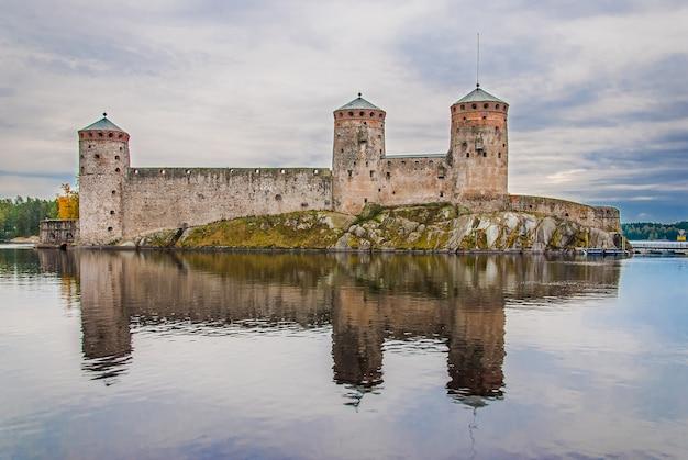 Zamek olavinlinna w savonlinna, finlandia
