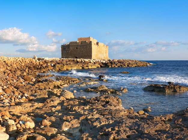 Zamek pafos harbour na cyprze, zdjęcie panoramiczne