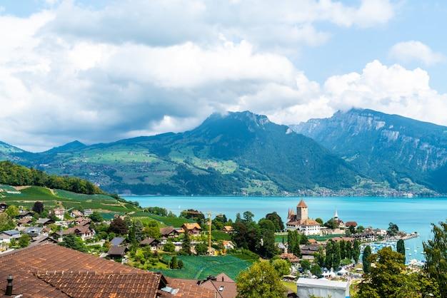 Zamek spiez w szwajcarii