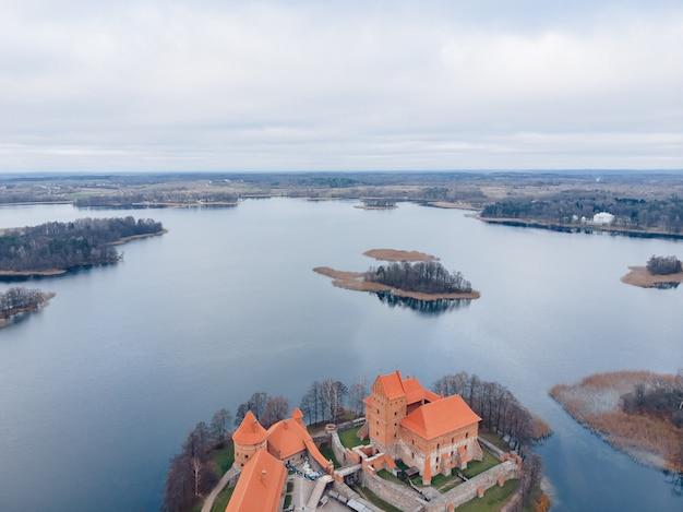 Zamek trakai widok z lotu ptaka, litwa