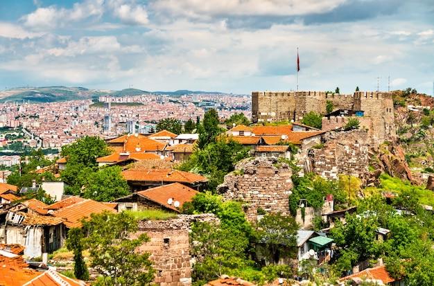 Zamek w ankarze, starożytne fortyfikacje w stolicy turcji