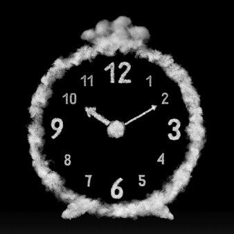 Zamknij kreatywną kompozycję budzika wykonanego z białych chmur lub dymu na czarnej ścianie z miejscem na kopię.