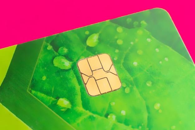 Zamknij makro złoty detal karty kredytowej banku