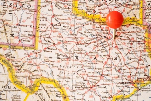 Zamknij mapę stanów zjednoczonych ameryki i czerwony pinpoint
