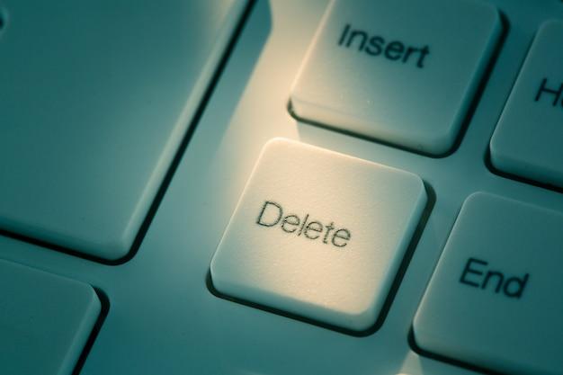 Zamknij niebieski przycisk usuń