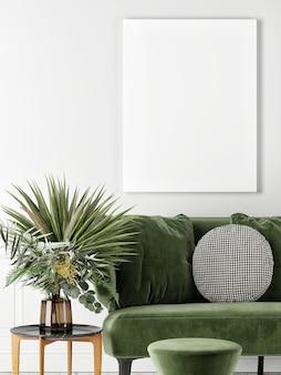Zamknij pusty plakat z zieloną sofą i rośliną dekoracyjną
