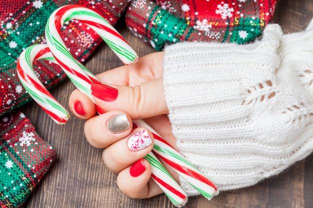 Zamknij się na boże narodzenie nail art manicure