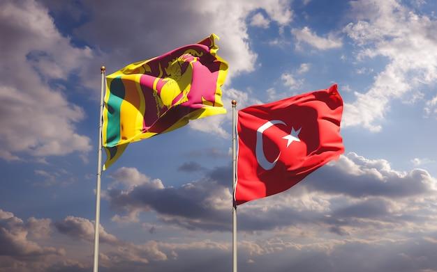 Zamknij się na flagach sri lanki i turcji