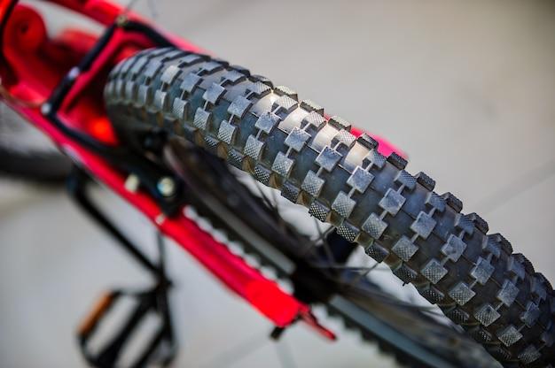Zamknij się obraz makro opon rowerowych. obraz koncepcyjny sportu.