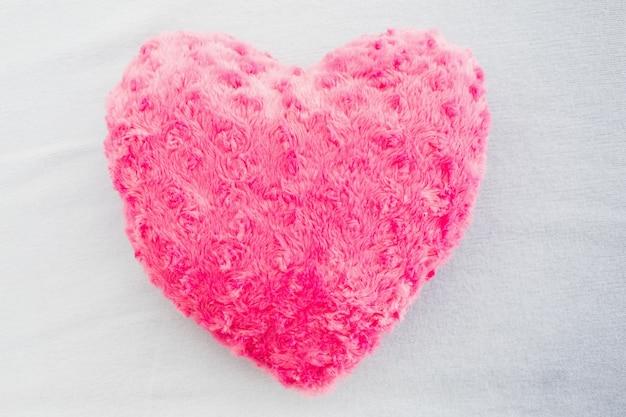 Zamknij się poduszka w kształcie serca różowe