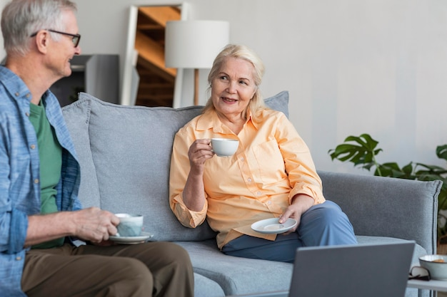 Zamknij się razem emerytów para