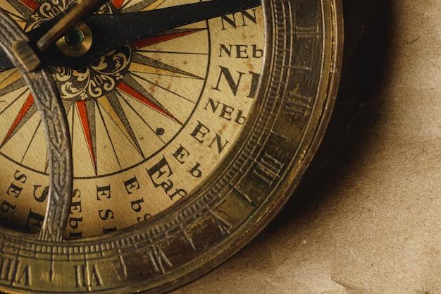 Zamknij się widok starego kompasu