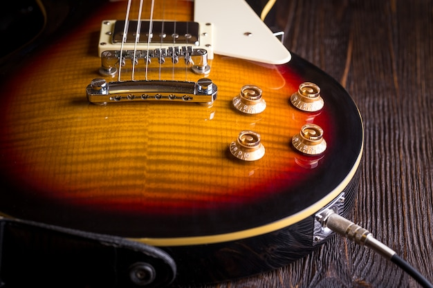 Zamknij się z gitarą muzyczną