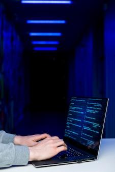 Zamknij się z hakerem
