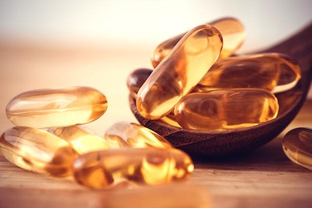 Zamknij suplementy z oleju z ryb, witaminy d i omega 3