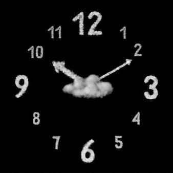 Zamknij widok dużego kreatywnego zegara wykonanego z białych chmur lub dymu na czarnej ścianie z miejscem na kopię.
