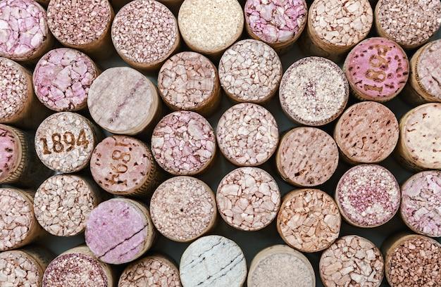 Zamyka up korkowy wina tło