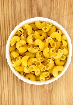 Zamyka up macaroni łokieć