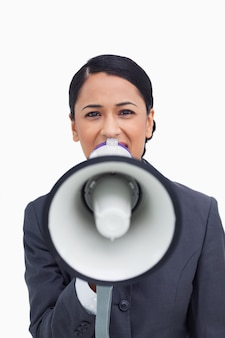 Zamyka up sprzedawczyni z megafonem