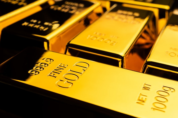 Zamyka up sztabki złota. koncepcja finansowa