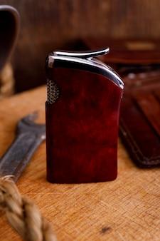 Zapalniczka na drewno, retro styl vintage ton.