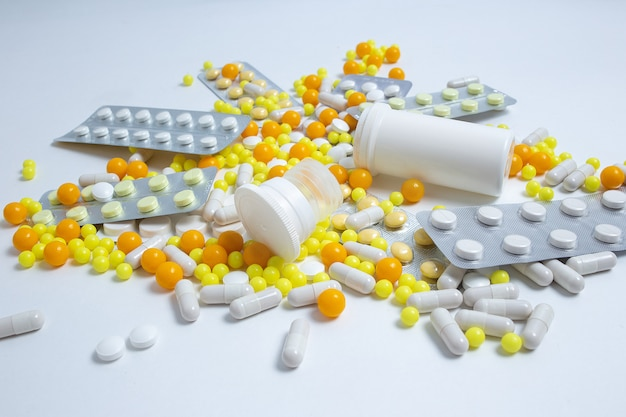 Zapobieganie, leczenie grypy, koronawirusa, pigułek, kapsułek, tabletek