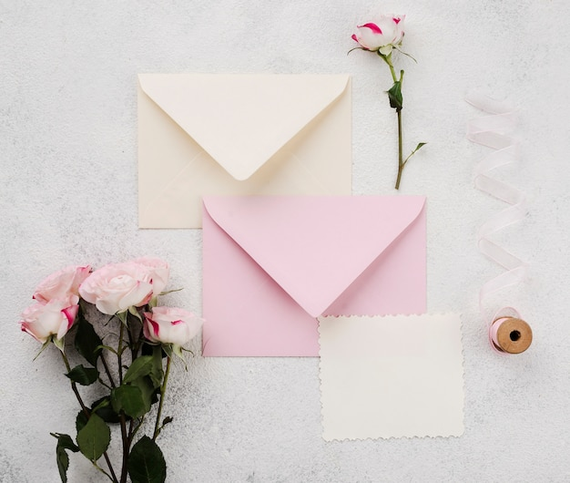 Zaproszenia ślubne koperty koncepcja