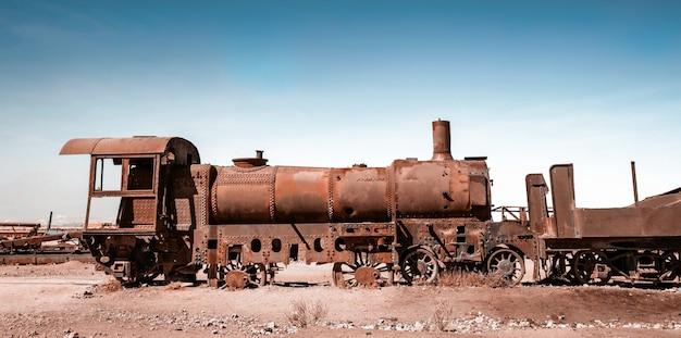 Zardzewiałe lokomotywy parowe w boliwii