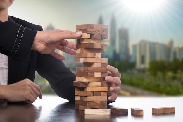Zaryzykuj wyzwanie biznesowe dzięki strategii gry.