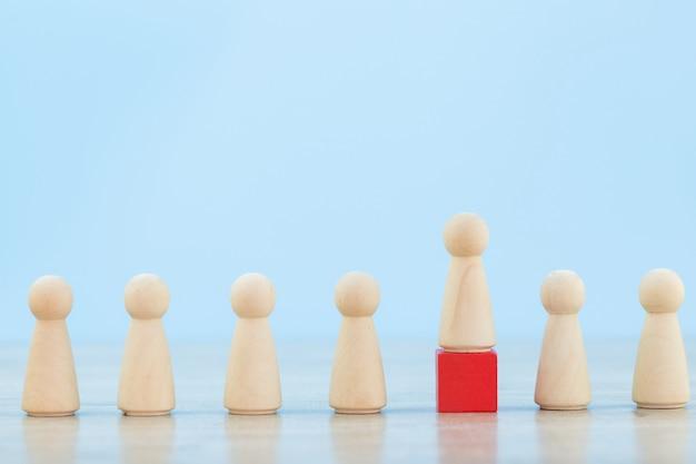 Zarządzanie zasobami ludzkimi, znajdowanie ludzi biznesu i zespołu biznesowego z koncepcjami lidera biznesu - image.