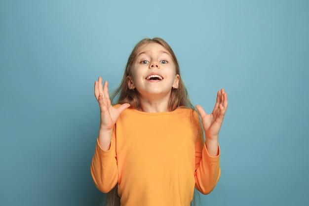 Zaskoczenie, zachwyt, szczęście, radość, zwycięstwo, sukces i szczęście.