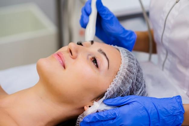 Zastosowanie kosmetologii sprzętowej.