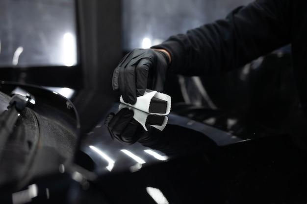 Zastosowanie nanoceramiki do samochodów. koncepcja ochrony lakieru samochodowego