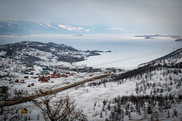 Zatoka curkut i jezioro bajkał