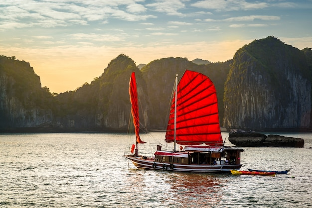 Zatoka halong, wietnam