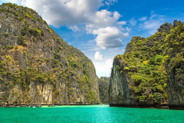 Zatoka majów na wyspie koh phi phi leh