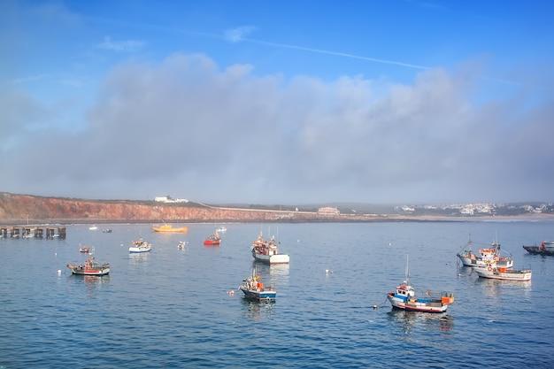 Zatoka port, dla łodzi rybackich w sagres, faro portugalia