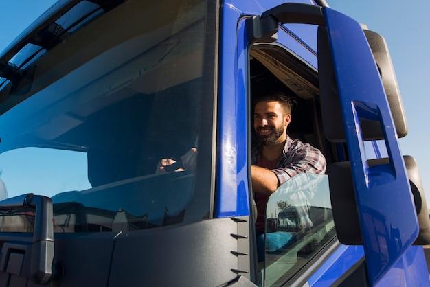 Zawód i obsługa kierowcy ciężarówki